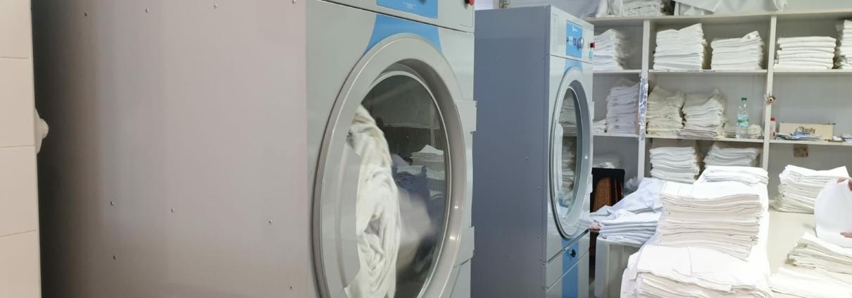 Instalación de secadora industrial Electrolux en Balneario de Puente Viesgo